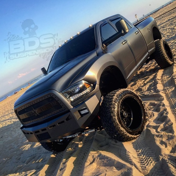 pros and cons between 2015 ram 2500 and ford f250 autos post. Black Bedroom Furniture Sets. Home Design Ideas
