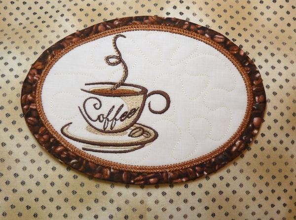 machine embroidery mug rugs